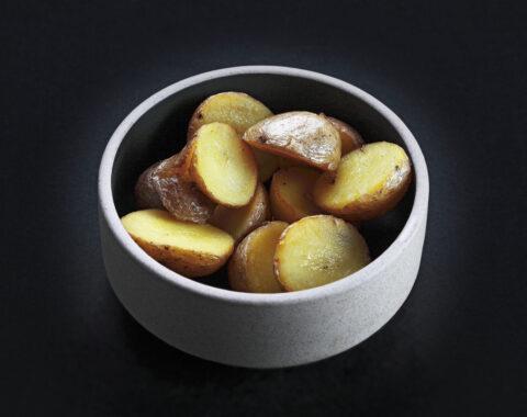 картофель в соляном растворе обжаренный на гриле
